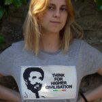 T.Shirt Femme Think For Higher Civilisation -gris