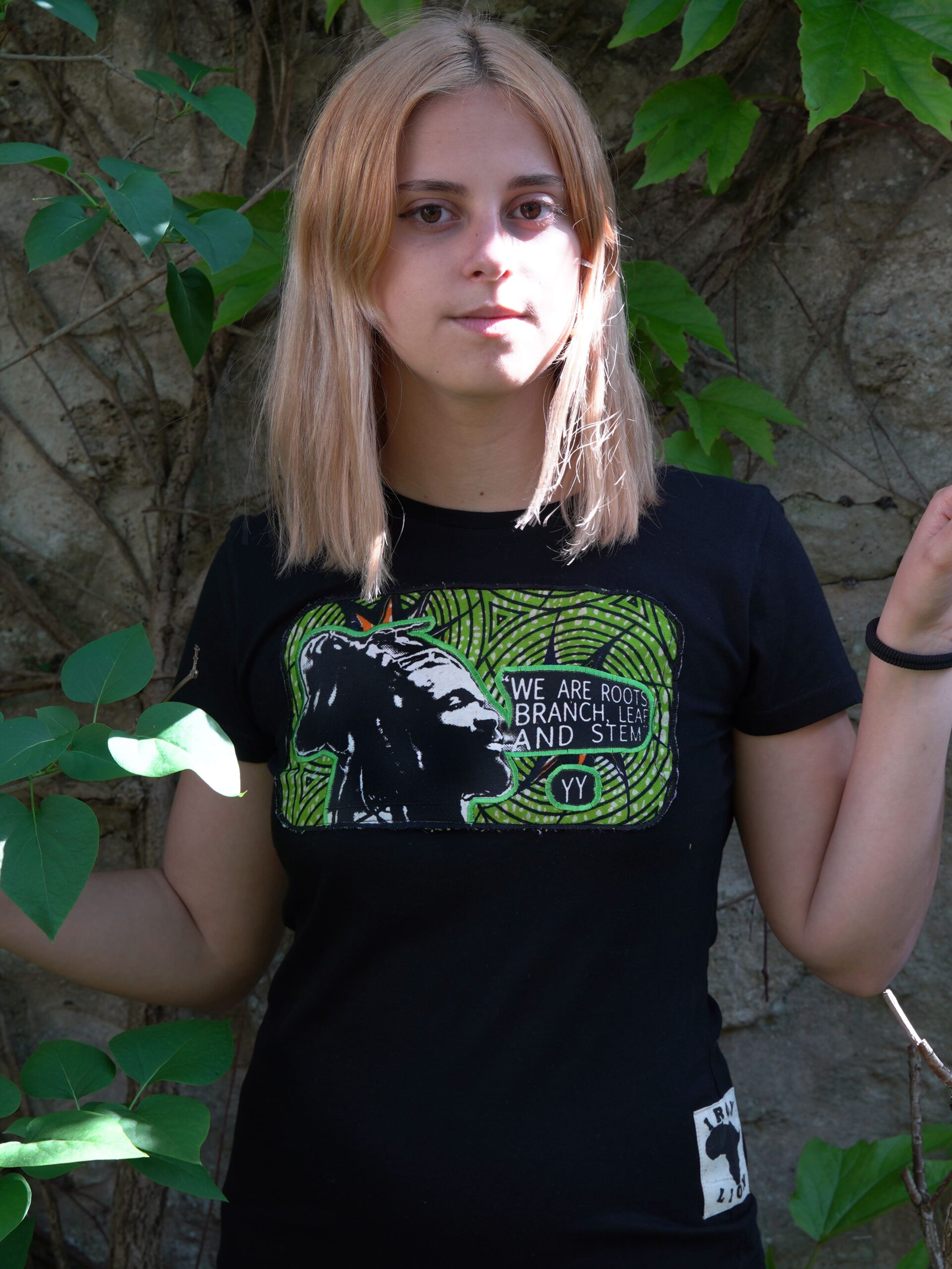 T.Shirt Femme we are roots -noir-wax